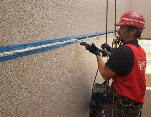 塗装壁の打継目地シール工事